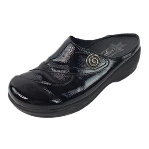Mephisto Air Relax Black Patent Leather Mule Clogs